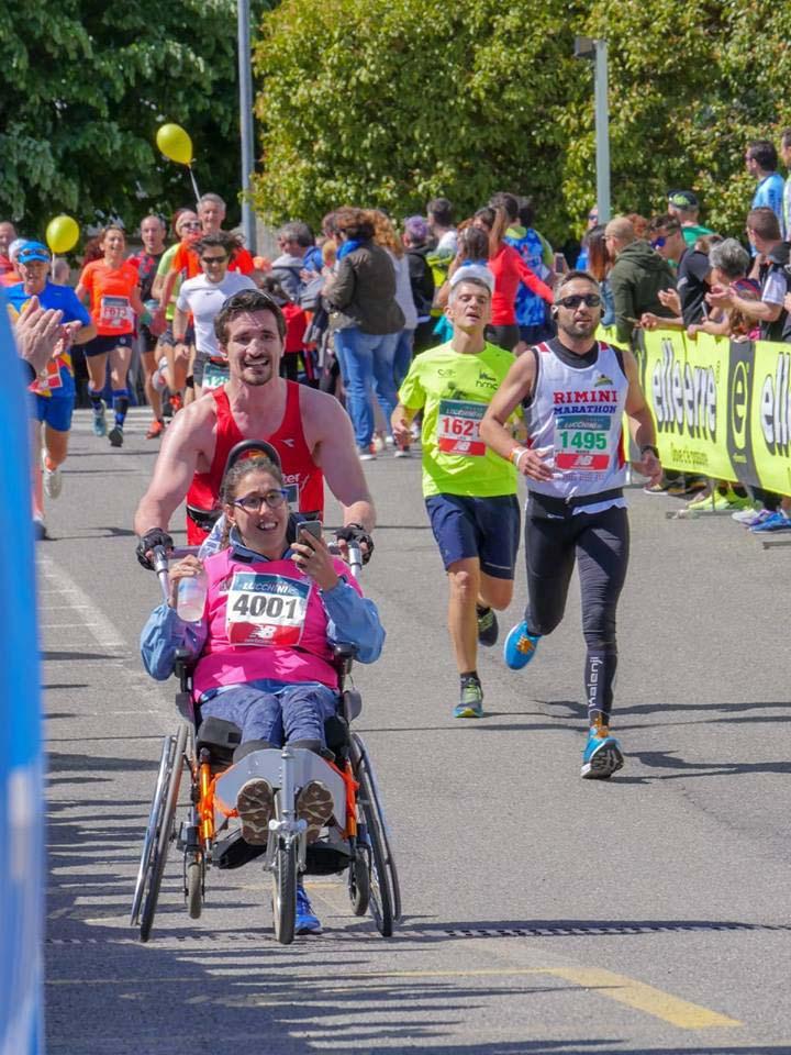 corsa-maratona-rotelle-fumanti